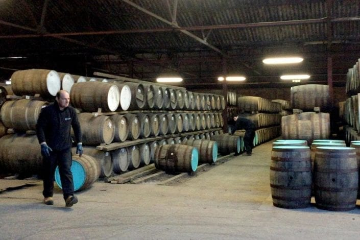 Fixing whisky casks